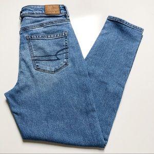 American Eagle Mom Jeans Blue High Rise Size 2 Reg